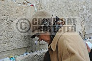 Kotel Women Praying 006
